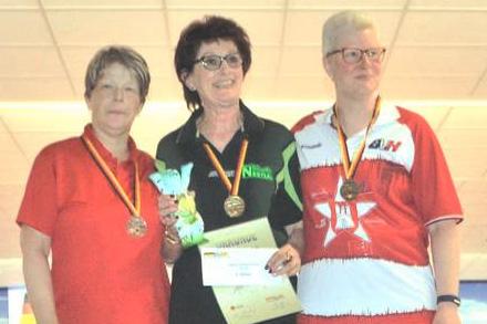 Platz 2 für Gabi Baumann (links) bei den Versehrten Damen