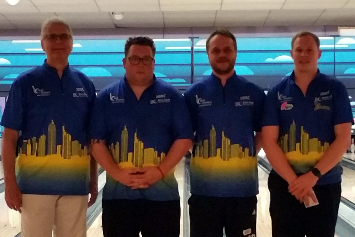 Team Blau-Gelb (v.l.): Hans-J. Naumann, Björn Weis, Philipp Gladigau und Mike Mank