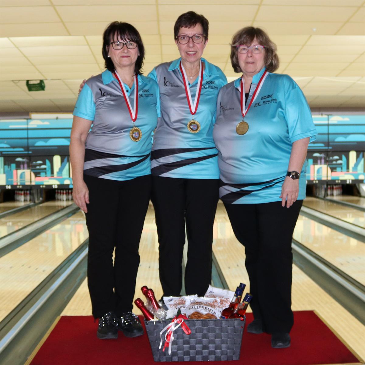 Platz 1 - Hessenmeisterinnen: Edith, Petra und Luci