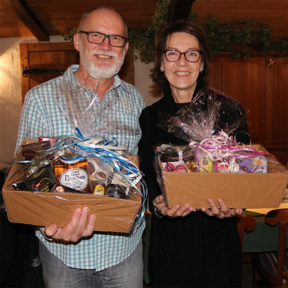 Geli und Rolf erhielten einen Präsentkorb, da Sie im Jahr 2019 einen runden Geburtstag feierten